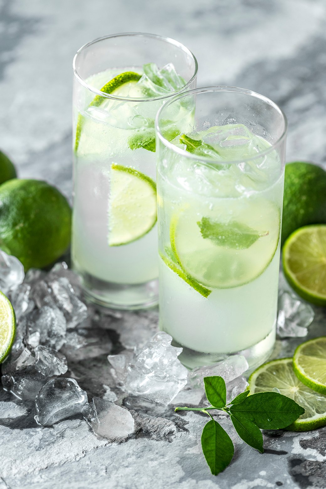 Fresh lime drinks macro shot